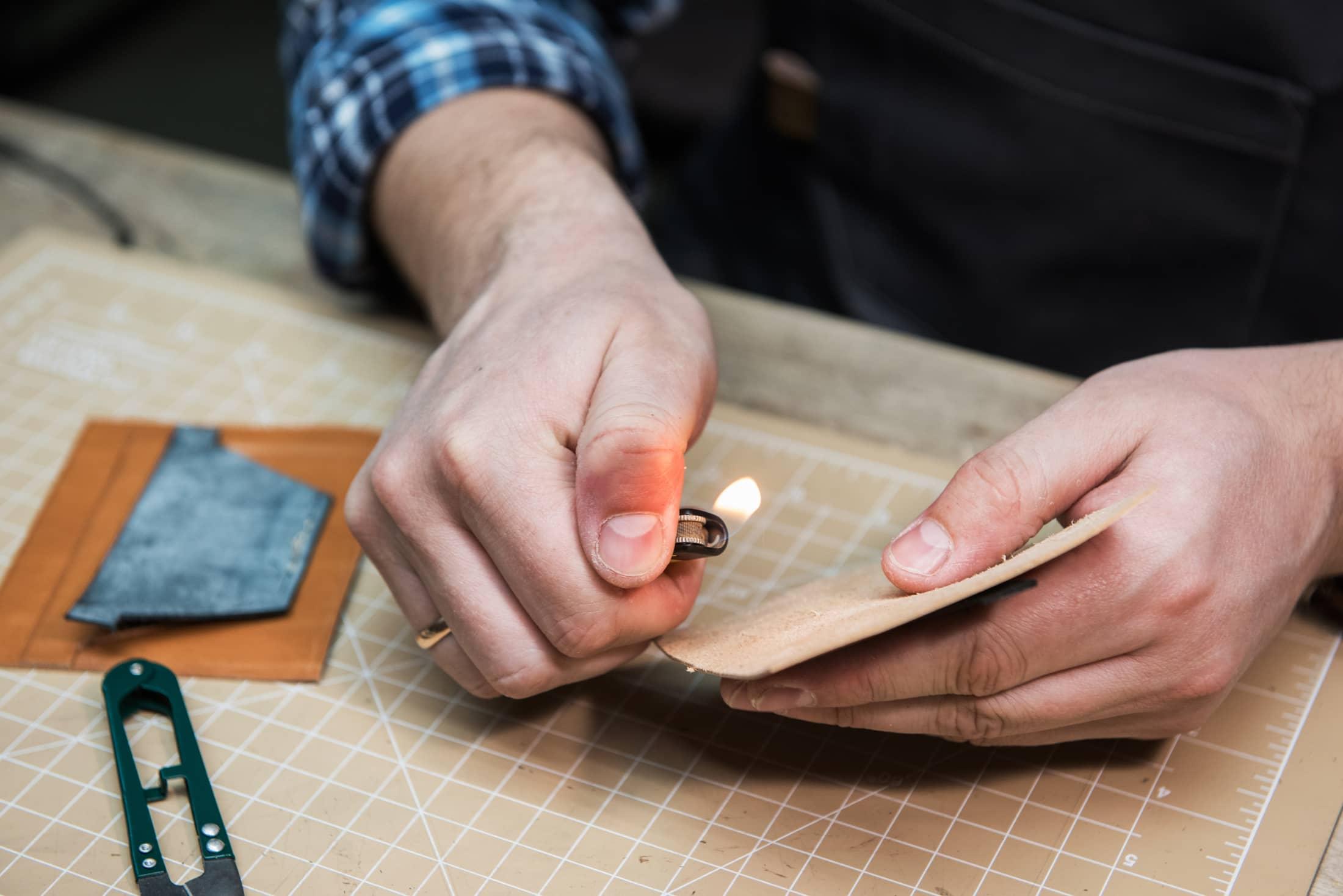 Leather naturally flame retardant